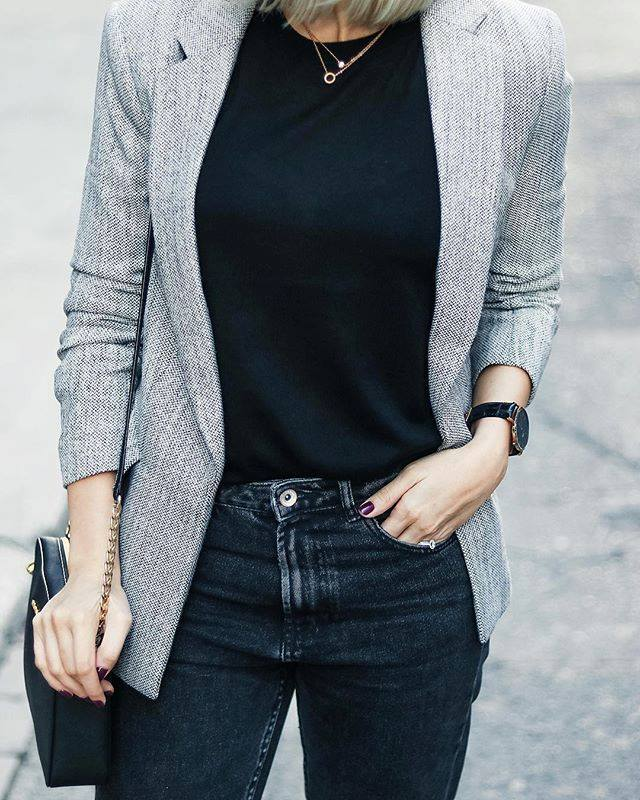 blazer with black mom jeans outfit