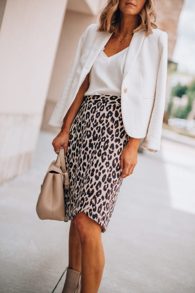 leopard print pencil skirt outfits