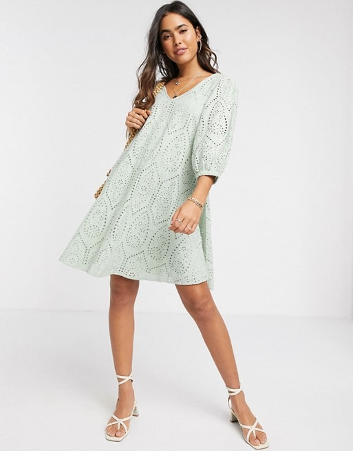 summer dresses for inverted triangle body shape