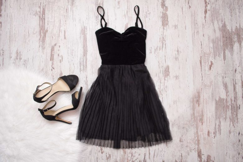 what accessories go with a black dress