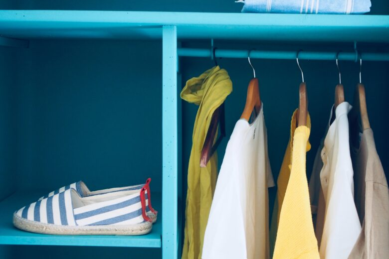 how to build a capsule wardrobe from scratch