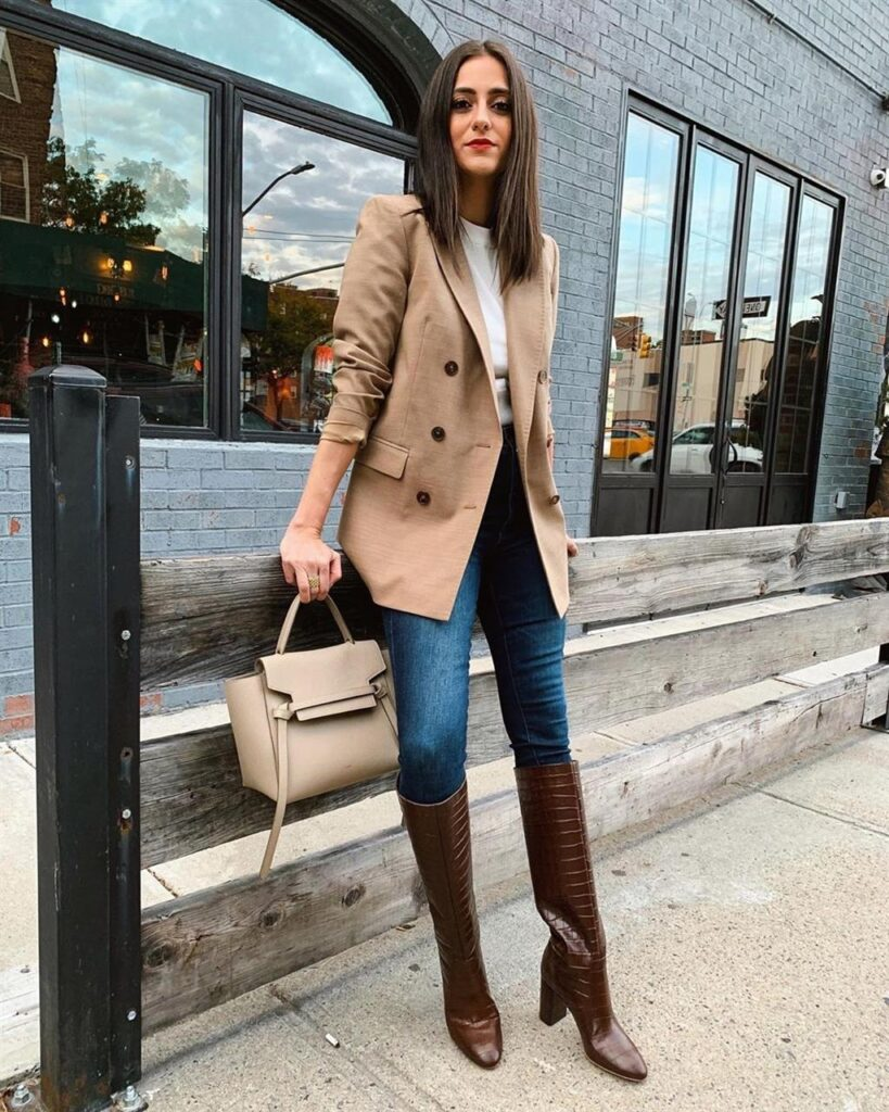 How to Wear Black Leggings With Brown Boots