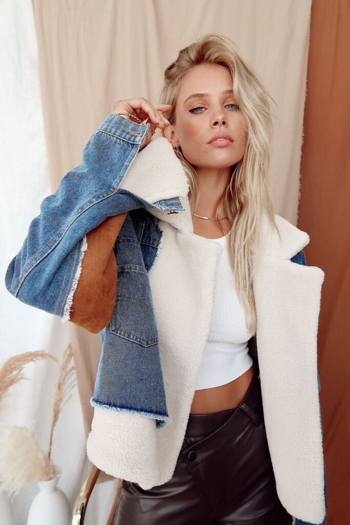 what to wear with a sherpa denim jacket for women